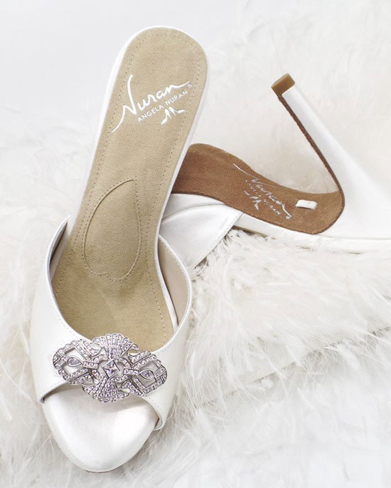 Monroe wedding shoe strapless with Monroe brooch