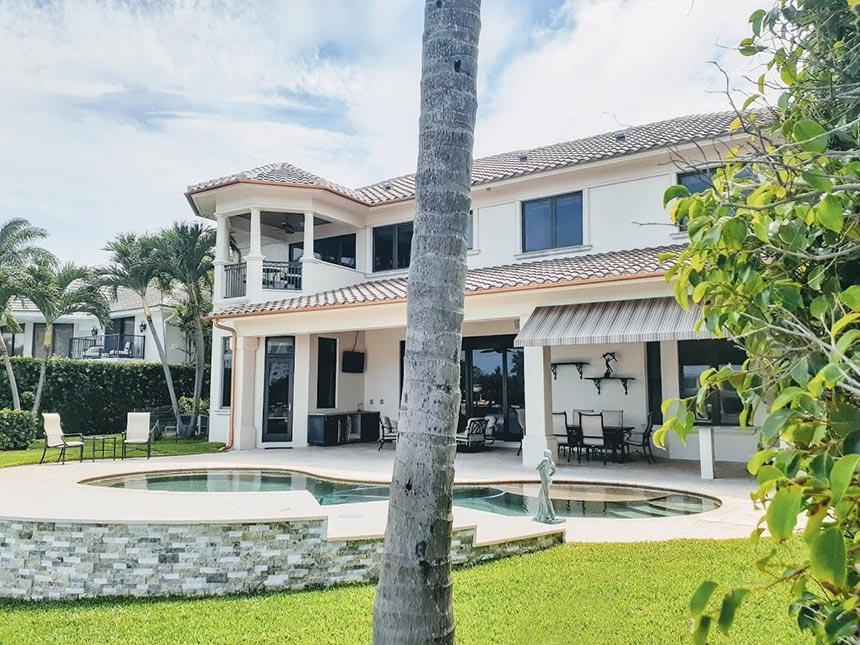 Angela Nuran's house and pool